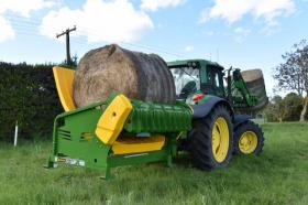 Hustler Chainless X2500 Bale Feeder