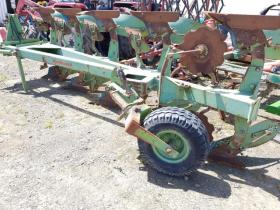 Dowdeswell 5 Furrow Reversable Plough